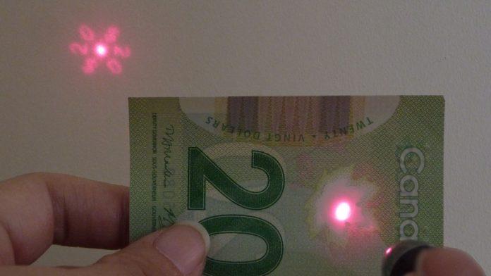 Light diffraction 20 dollar bill
